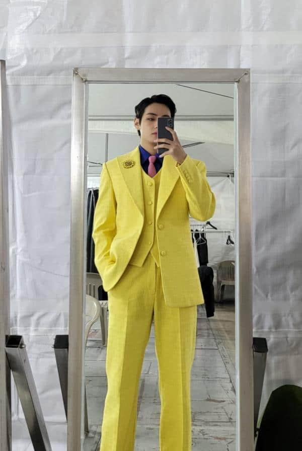 bts v jaune