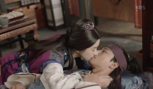 Une vieille vidéo de «Hwarang» de Park Seo Jun gardant ses distances avec Seo Ye ji attire l'attention