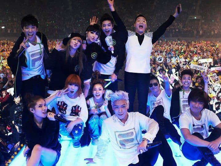 Les fans de K-pop se sentent tristes en regardant les photos passées de YG Family